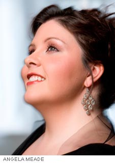 STAR DIVA ANGELA MEADE SINGS STRAUSS